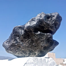 'The Shark'. Spectacular Campo del Cielo Meteorite - full of regmaplypts - 20 x 12 x 10cm -  8506 gr