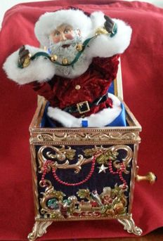"Franklin Mint ""Victorian Santa musical Jack in the box"" - rare"