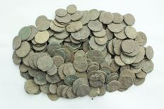 Roman empire - lot of 200 AE coins, first to fourth  century Christ 1