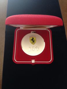 Ferrari silver medal keyring, limited edition -150 victories - Canada GP