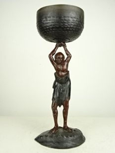 Metal statue of a South sea islander bearing a basket - Japan - Early 20th century (Meiji period)
