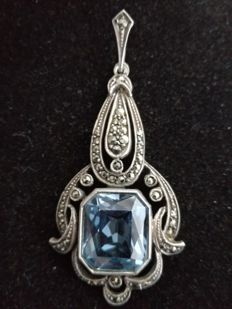 Art Deco silver pendant with a beautiful Aquamarine and Marcasites