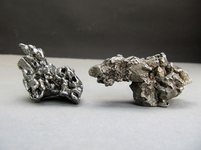 Lot - iron meteorite - sculptures, Campo del Cielo, 51 x 31 mm & 40 x 23 mm -  48.18 g & 37.24 g (2)