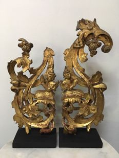 Lot with 2 pieces of Wooden Gilt Carvings with buddhist figures - Burma -  19th Century (Mandalay Period)