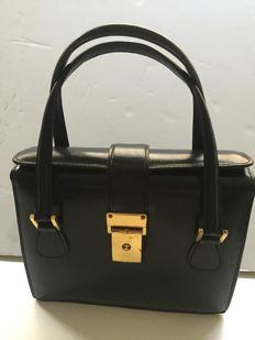 Lot consisting of two elegant vintage handbags ***No minimum price***