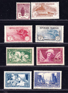France 1926-1931 – Selection of stamp series: Orphans 229-232, 252 and 256 Smiling Angel of Reims, 269 caisse d'amortissement (sinking fund) and 261 La Rochelle.