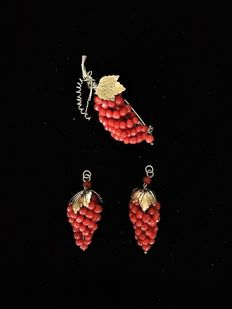 Dutch coral grape clusters (for earrings) and a grape cluster pin brooch
