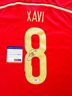 Xavi Hernandez  / Spain - Signed Home Jersey -  with Certificate of Authenticity PSA/DNA