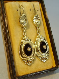 Gold Victorian earrings with onyx and genuine white river pearls