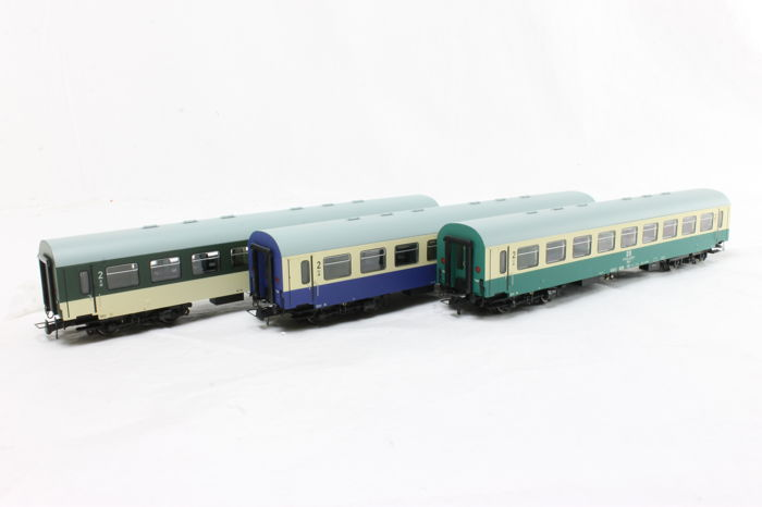 Brawa H0 - 45361/45363/45364 - 3 Pieces 2nd Class carriages of the