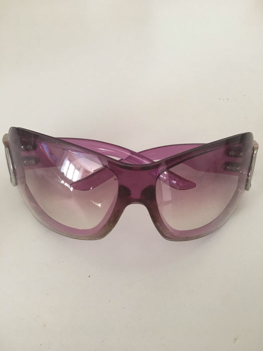 a320378ba3 Christian Dior sunglasses for women - Catawiki