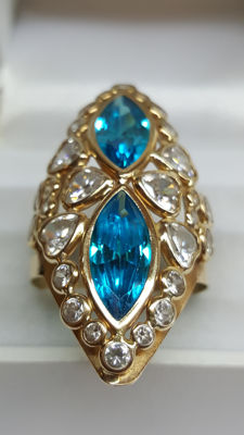 14 kt yellow gold ladie's ring set with various stones / ring size 19