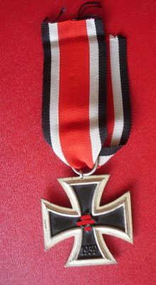 Iron Cross, 2nd class on a ribbon / WW II / EK 2