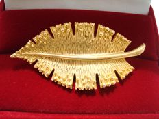 Yellow Gold plated textured statement leaf brooch , vintage 1960's, signed by Lind Gal