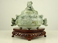 Green hardstone censer - China - second half of the 20th century
