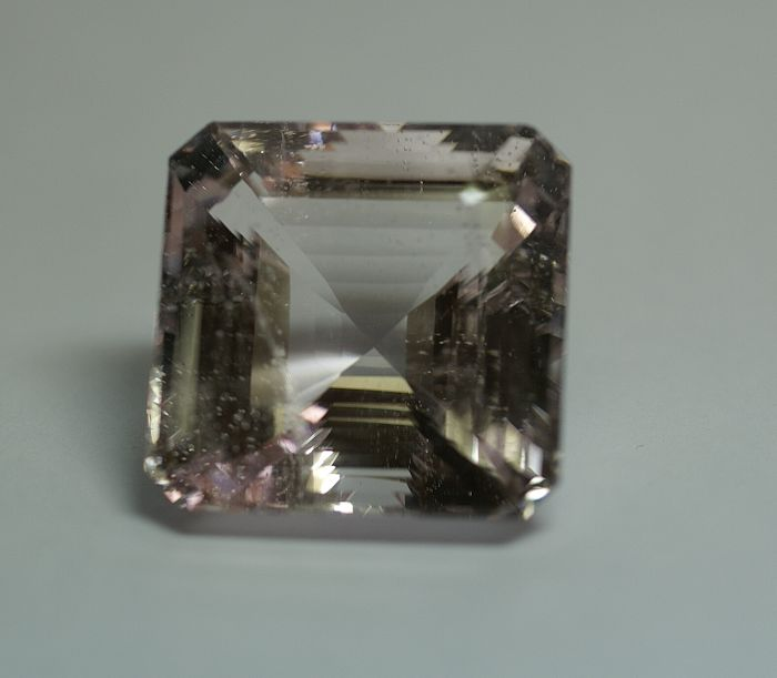 Morganite - pink - 92.93 ct