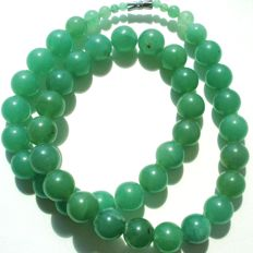 Genuine Jade necklace with large (15mm) apple juice green real beads, vintage (1950's) 102 grams