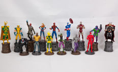 15 Figurines MARVEL