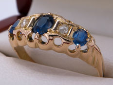 Certified gold cocktail ring with diamonds and unheated/untreated sapphire - 0.61 ct **No Reserve**
