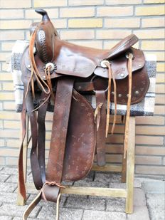 Authentic old Western (Cowboy) saddle - U.S.A. first half of the 20st. century