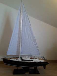 Exclusive Oyster 54 yacht, height 128 cm