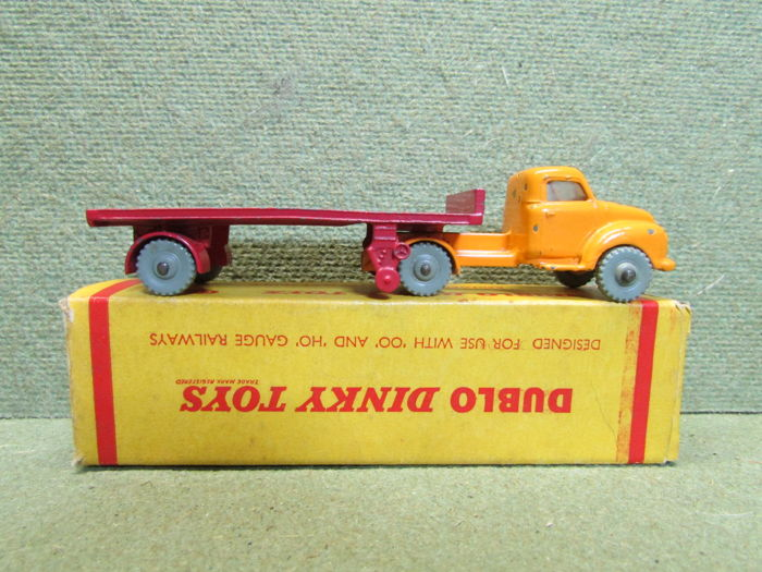 Dublo Dinky Toys - Scale 1/76 - Bedford Articulated Truck No.072