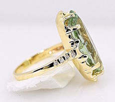 18 kt yellow gold ring, 8 diamonds and tourmaline of 7 ct - Size: 9.5.