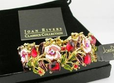 Gorgeous Joan Rivers crystal bracelet