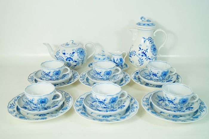 Meissen zwiebelmuster Blue Onion coffee/tea set for six people