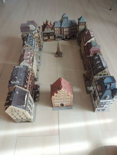 Vollmer/Kibri H0 - Complete street with 13 large buildings and 1 Memorial with seat