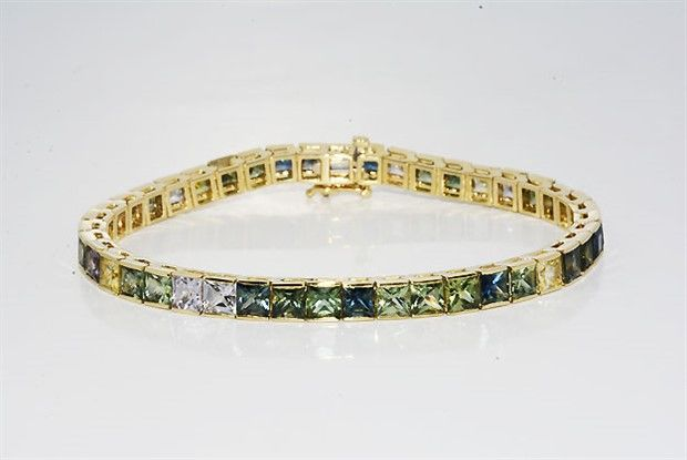 "22.00 ct gold multicolour tennis bracelet with sapphires, ""No reserve"""