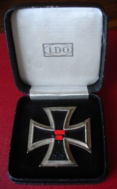 Iron Cross 1. class in Case / WW2/Iron Cross 1