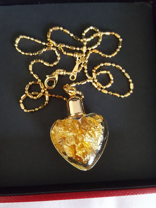 Necklace with 24K Gold (999.9) heart shaped pendant - Unworn Complete in Box