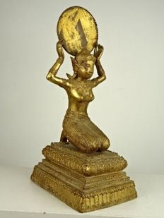 Large Rattanakhosin style sculpture of an orans – Thailand – second half 20th century