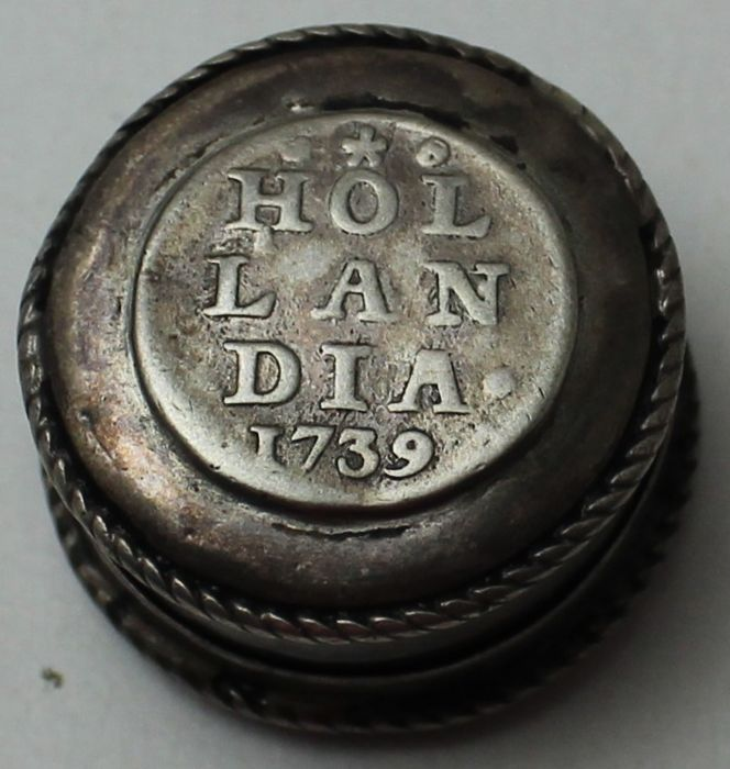 Holland - Coin box of 2 x 1 penny 1738 + 1739