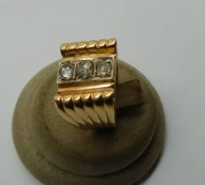 Gold ring with diamonds, Circa 1950-60
