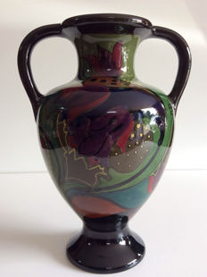 Plateelfabriek Zuid-Holland - vase with two handles