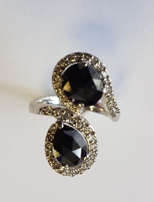 Ring in 2.39 carats Black Diamonds, 0.30 carats White Diamond, 18 carat White Gold- FREE DELIVERY