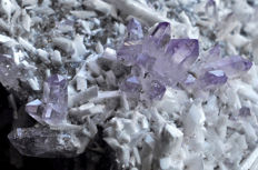 Amethyst and Laumontite crystals on matrix - 8.2 X 6.6 X 4.7 cm - 173 gm