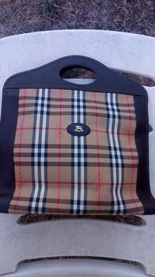 Burberry - Classic Shopper Bag