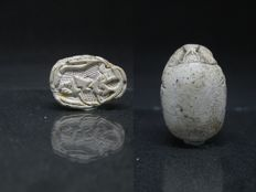 Ancient Egyptian Scarab with Lion and Crocodile - ca. 2,2 cm