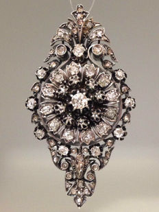 4,30 carats Diamonds Elizabethan Pendant silver and gold.