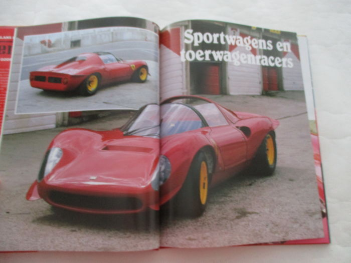 lot of 8 italian car books magazines ferrari lamborghini and alfa romeo catawiki. Black Bedroom Furniture Sets. Home Design Ideas