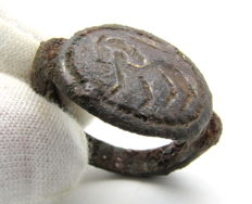 Ancient Persian / Greek Bronze Ring with Horse on Bezel - 19 mm (inner diam.)