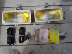 A new set of fog lights made by the brand HELLA type 173 old type with a width of 173 mm from the 1970s and 1980s.