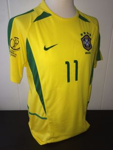 Ronaldinho / Brazil - World Cup 2002 home shirt.
