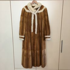 Luxurious Long Fur Coat – Handmade in Germany