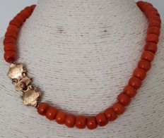 Necklace made of Coral with a Gold clasp from 1875.