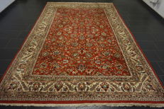 Beautiful hand-knotted oriental carpet Qom with medallion -250X340 cm- -Made in India-