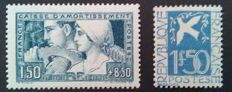 France 1928/34 - Sinking fund, Labour, type III, signed Pascal Scheller, and Dove of Peace - Yvert 252b and 294
